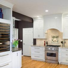 Traditional Kitchen by Kitchen Studio: Kansas City