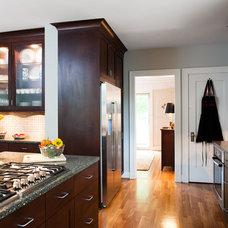 Modern Kitchen by Kitchen Studio: Kansas City