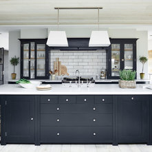 Transitional Kitchen by Neptune Home Fulham