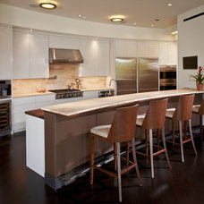 Modern Kitchen by Collaborative Design Group-Architects & Interiors