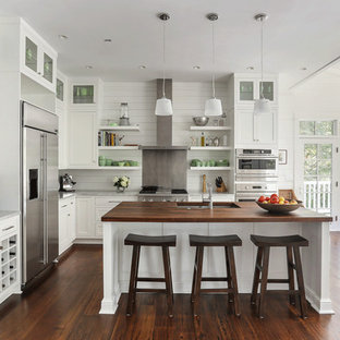 Photo of a beach style kitchen in Charleston.
