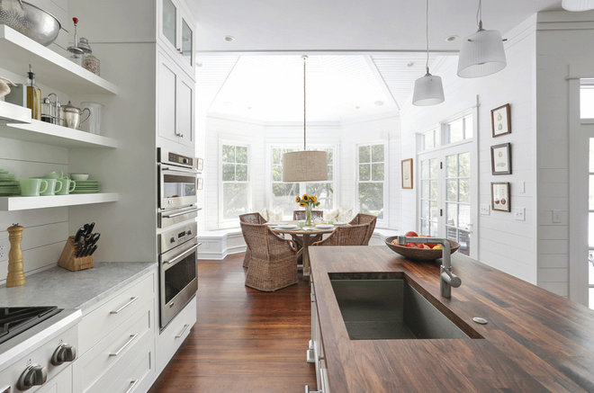 Beach Style Kitchen by Diament Builders