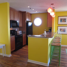 Beach Style Kitchen by Asia Evans Artistry