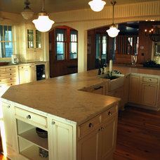 Traditional Kitchen by Lisle Architecture & Design