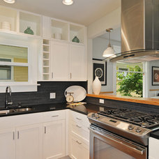 Contemporary Kitchen by D3 Design/Build