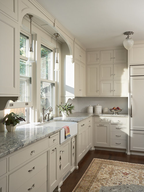 Example Of A Mid Sized Ornate U Shaped Kitchen Design In Minneapolis With A