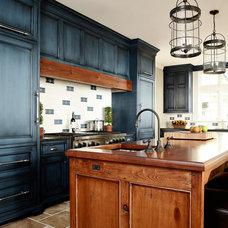 Traditional Kitchen by Arturo Palombo Architecture