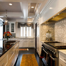 Traditional Kitchen by Gayla Olson