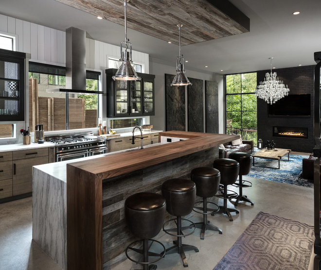 Industrial Kitchen by Rosewood Custom Builders