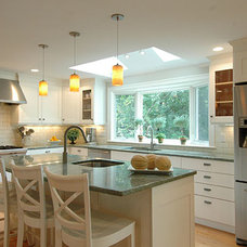 Traditional Kitchen by Betsy Bassett interiors