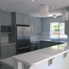 traditional kitchen by Stewart Design