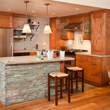 Traditional Kitchen by Kathleen Donohue, Neil Kelly Co.
