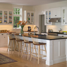 Traditional Kitchen by Birdseye Design