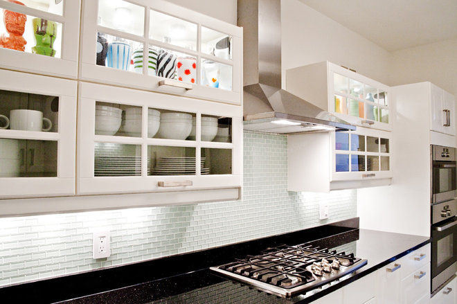 Contemporary Kitchen by Supon Phornirunlit / Naked Decor