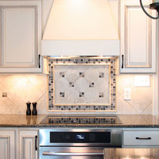 Farmhouse Kitchen by Master Custom Home Remodeling