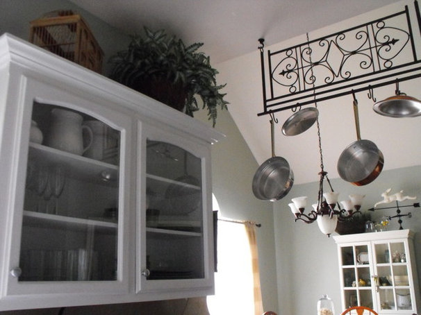 Traditional Kitchen by Susie Harris