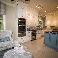 Beach Style Kitchen by Susie Ralls Designs