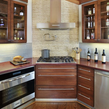 Sustainable Contempory/Ranch Kitchen