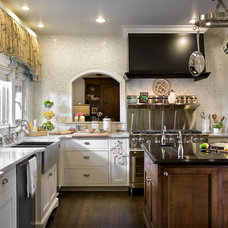 Traditional Kitchen by Knotting Hill Interiors