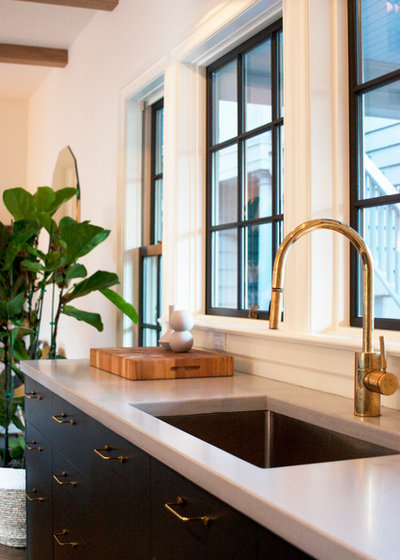 Traditional Kitchen by bright designlab
