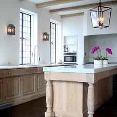 Traditional Kitchen by Bates Corkern Studio