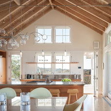 Beach Style Kitchen by Aquidneck Properties