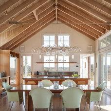 Beach Style Kitchen by Aquidneck Properties