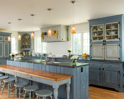 Light blue kitchen cabinets houzz for Blue kitchen cabinets pictures