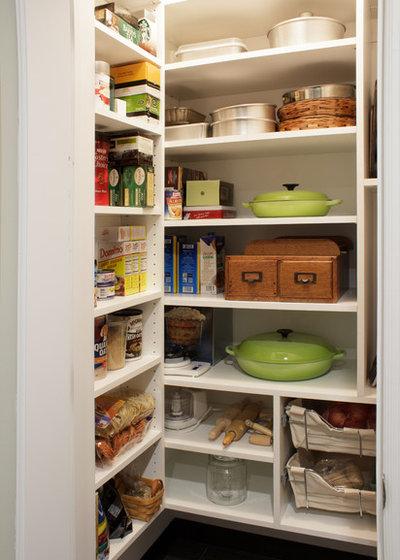 コンテンポラリー キッチン by Rylex Custom Cabinetry and Closets