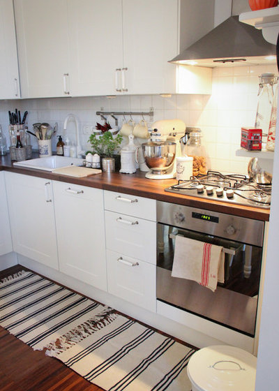 17 Space-Saving Solutions for Small Kitchens