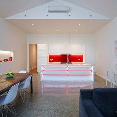 Modern Kitchen by Paul Hutchison Kitchen Bathroom Design Studios