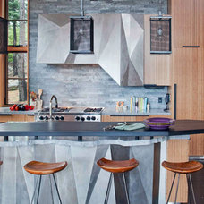 Rustic Kitchen by WA design