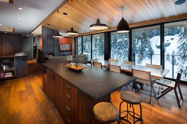Rustic Kitchen by Studio Bergtraun AIA
