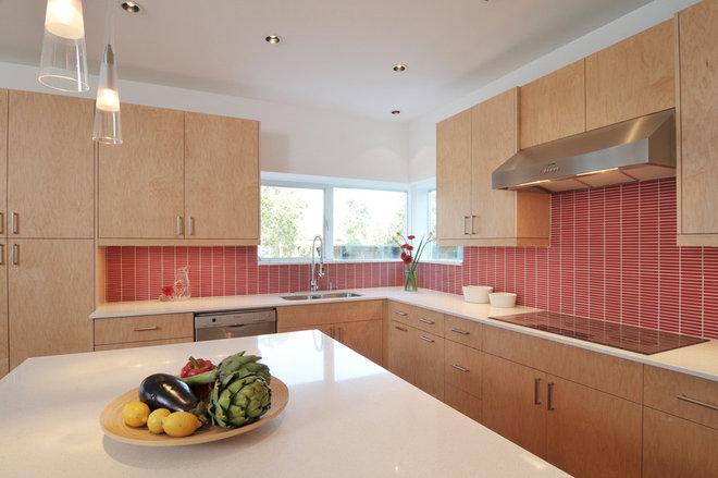 Modern Kitchen by Intexure Architects