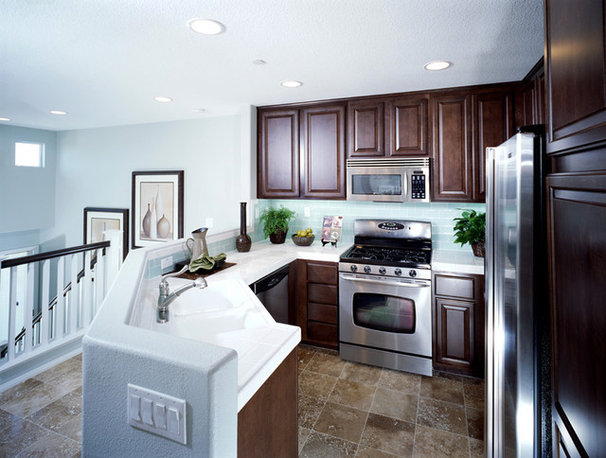 Traditional Kitchen by Toblesky-Green Architects