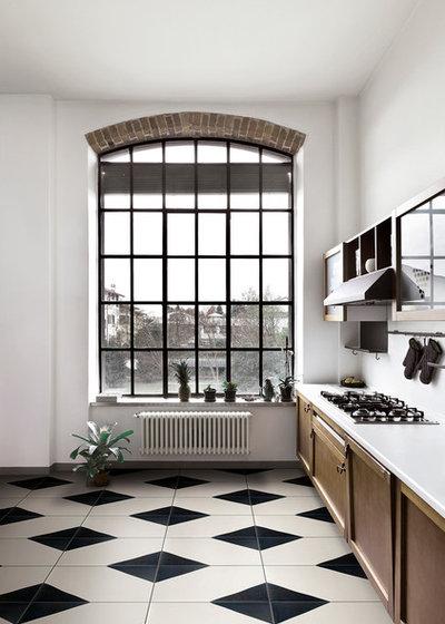Cucina Con Top Nero: Cucina in rovere con isola nantÌa grigio cenere ...