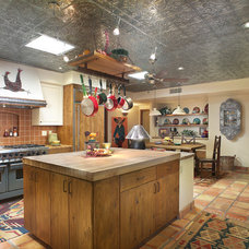 Rustic Kitchen by Eren Design and Remodel