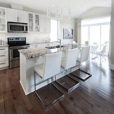 Contemporary Kitchen by Unique Spaces
