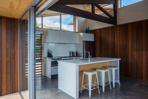 Contemporary Kitchen by Redbox Architects