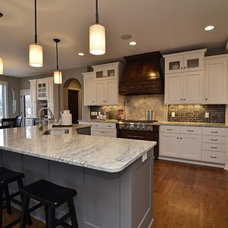 Kitchen by Gonyea Homes & Remodeling