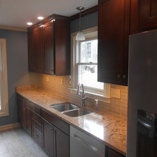 Transitional Kitchen by Before and After Builders, Inc