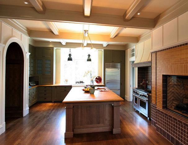 Kitchen by Taylor Lombardo Architects