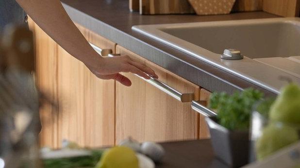 Modern Kitchen by German Kitchen Center
