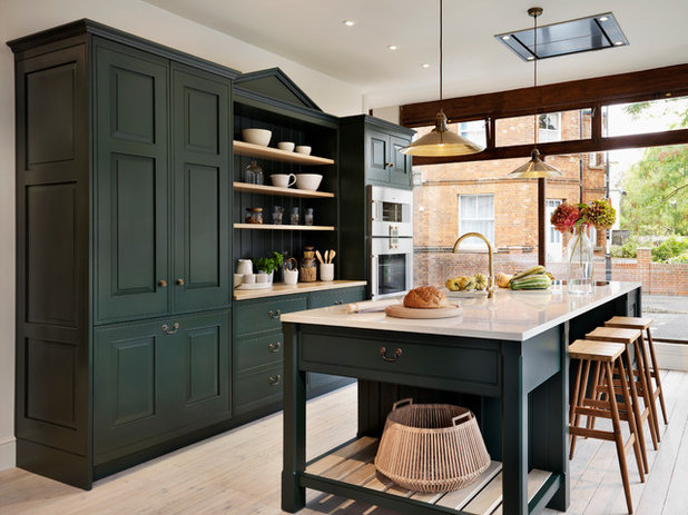 Awe Inspiring When You Want To Go With Deep Dark Green In Your Kitchen Beutiful Home Inspiration Ommitmahrainfo