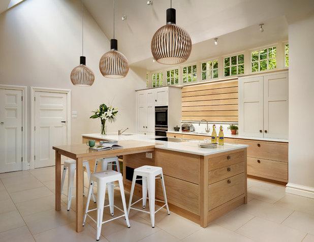 Modern Kitchen by Teddy Edwards