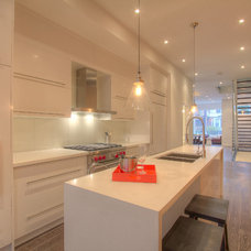 Modern Kitchen by TEKA KITCHEN GALLERY