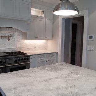 Kitchen - kitchen idea in New York