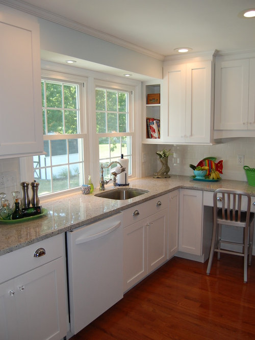 Example Of A Classic Kitchen Design In Philadelphia