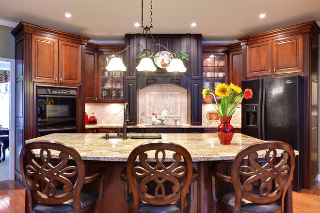 Cabinet Colors For Dark Appliances: kitchens with black appliances