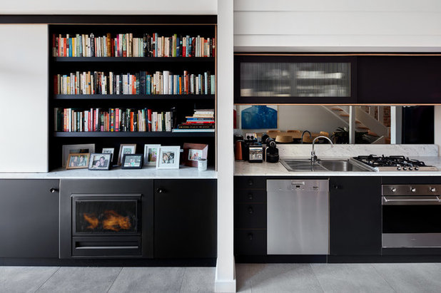 Modern Kitchen by Aspire Constructions